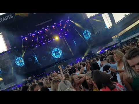 Alan Walker - All falls down ft Noah Cyrus (Live Summerburst 2018)