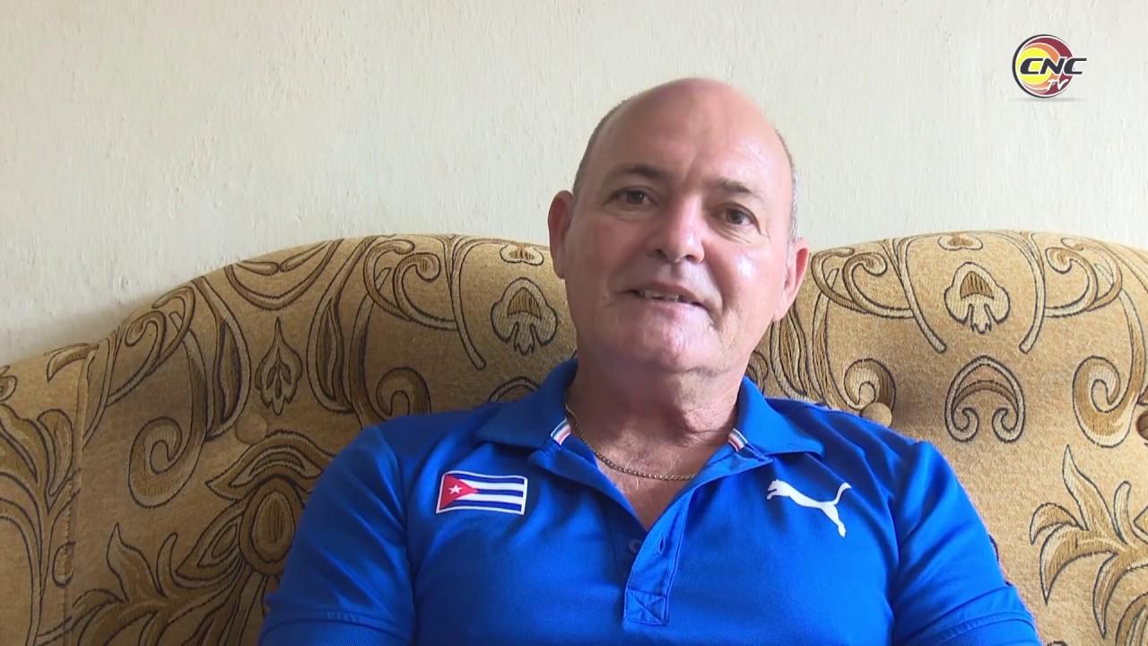 Entrenador de Polo Acuático granmense exhorta a todos a quedarse en casa ante Covid-19
