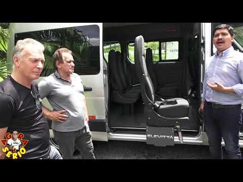 Prefeito Arizinho conquista um van e economiza 11 mil reais por mês de despesas para São Lourenço da Serra