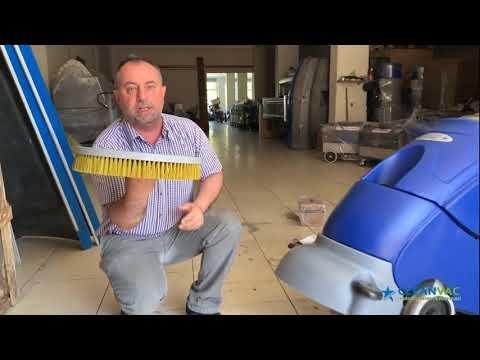 Akülü zemin temizlik makinesi Cleanvac