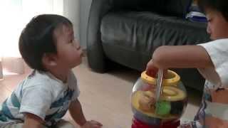 英語学習【1才9ヶ月☆おしゃべりいっぱいガチャで遊ぶ2】