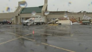 RAW VIDEO: Curt's Shopping Mall in Muskogee, Oklahoma sustains storm damage