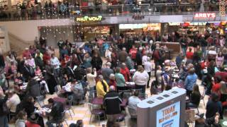 Joy to the World Christmas Food Court Flash Mob! - Must See!