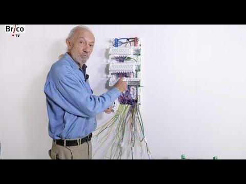 Installer facilement un tableau électrique de répartition - Tuto Brico avec Robert