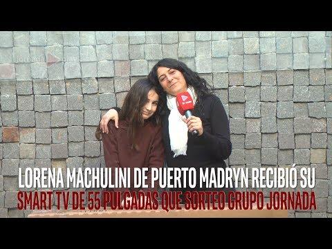 Lorena Machulini de Puerto Madryn recibió su Smart TV de 55 pulgadas que sorteo Grupo Jornada