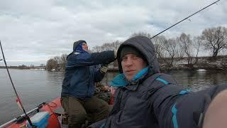 Рыбалка в белоомуте на озере исток