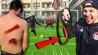 HARTE FUßBALL CHALLENGE ENDET SCHMERZHAFT! *KEIN TOR = SCHLAG*