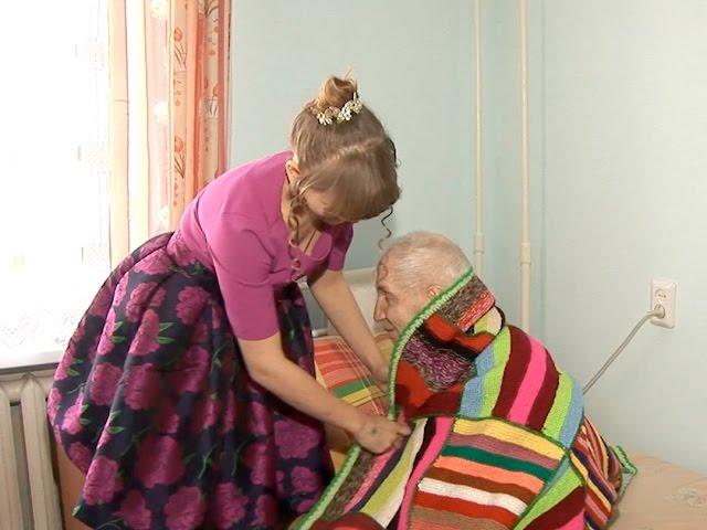 Ангарчане связали пледы для одиноких стариков