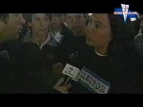 """""""Los Cruzados """"El Aguante 2001"""" (TyC Sports)"""" Barra: Los Cruzados • Club: Universidad Católica"""