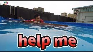 #10【谷阿莫Life】自製一座超大海水游泳池來模擬沉船求生