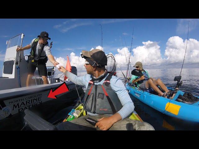 MARINE POLICE CHECKS KAYAK FISHERMAN - WHATS IN THE COOLER? + Barracuda/Spanish Mackerel Blitz