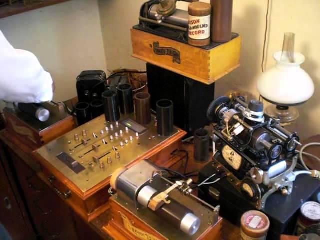 Steampunk DJ Edison & DJ Lorax . Techno cylinder record scratching .