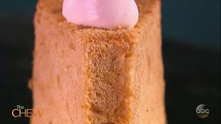 Suzanne Somers & Clinton Kelly Make Pumpkin Angel Food Cake | The Chew