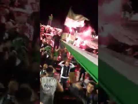 """""""LA GLORIOSA N°1 DE VILLA MITRE ¡ SOMOS LA FIESTA !"""" Barra: La Gloriosa • Club: Villa Mitre"""