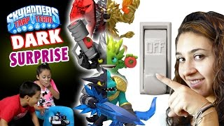 Skylanders Trap Team: LIGHTS OUT! Dark Edition Surprise by Mom & Dad (Electricity Prank)