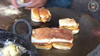Mumbai special Vada Pav Street Food Love - India