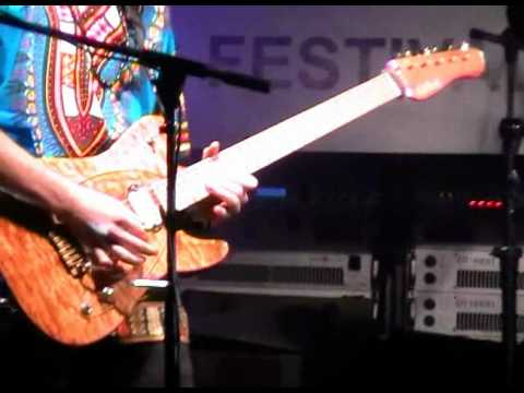 Toni Rowland - 911 (Spog Weni Festival 8 Oct. 2011)