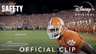 Disney Official Clip | Safety | Disney+ anuncio