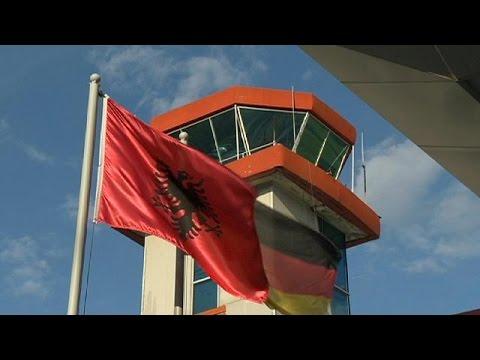 Γερμανία: Χιλιάδες Αλβανοί απελαύνονται μετά από απόρριψη των αιτήσεων ασύλου