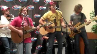 "Jon Pardi Performs ""Chasin' Them Better Days"""