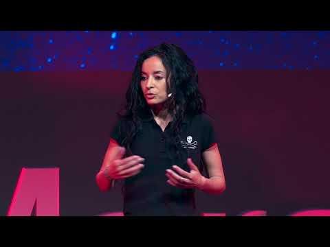 TEDxMarseille Ma vie pour celle d'une baleine Lamya Essemlali