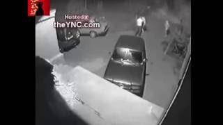 Драка на улице.Борец сломал шею вору и добил его ногами