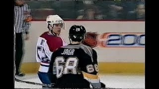 Craig Rivet vs Jaromir Jagr - rough / scrum