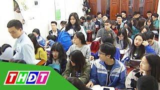 Học sinh đổ xô đi luyện thi môn Sử | THDT