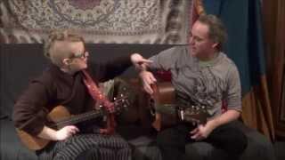 "Dogwood & Johnstone perform ""Snugglefish"""