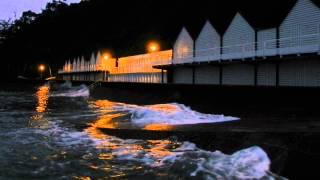 preview picture of video 'Grandes marées à Etables sur Mer - octobre 2014'