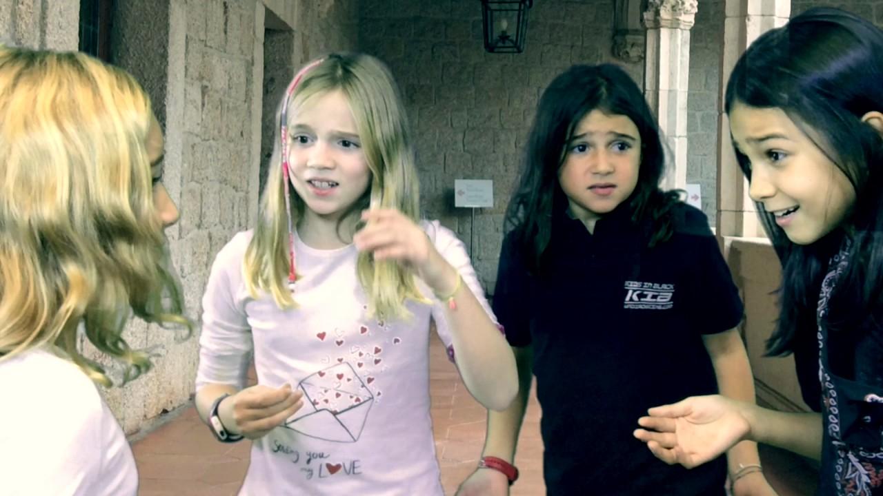 La hoja de la muerte (o como adelantar el recreo) comedia kids in black