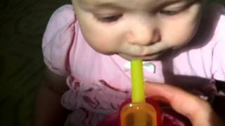 TEACHING YOUR BABY TO USE A STRAW