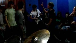 Makes No Sense - Velho Punk [2] (Gritando HC)