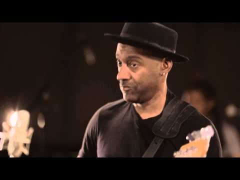 Marcus Miller - Afrodeezia (?????DVD) online metal music video by MARCUS MILLER