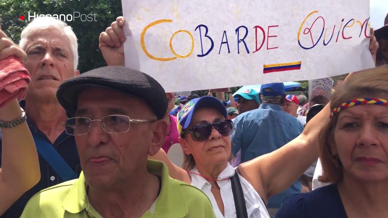 Ancianos resistieron gas pimienta, lluvia y sol