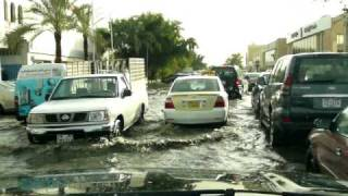 preview picture of video 'floods in kuwait April 1, 2009'