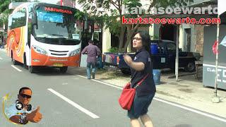 preview picture of video 'Manggar 1001 Coffee Shop - Biosafe Belitung Tour 2014 (Dangdut Oplosan)'