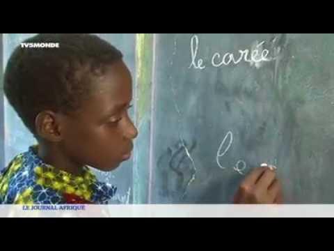 Au Bénin, des enfants exclus du système scolaire retrouvent le chemin de l'éducation.