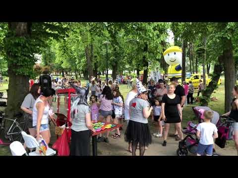Wideo1: Festyn w Parku Leszczyńskich Satyryków
