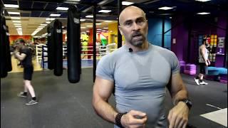 Смотреть онлайн Упражнения на бицепс с гирей 16 кг для начинающих