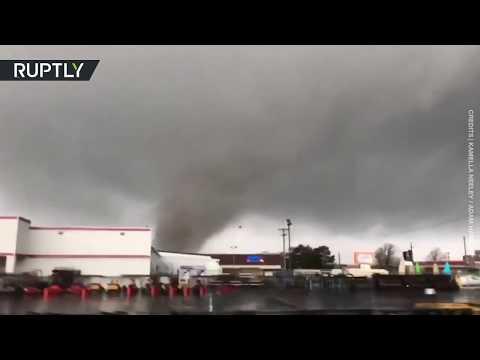 'Oh my gosh!' | Tornado rips through Arkansas