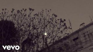 Momo - Alfama ft. Camané
