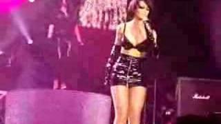 Rihanna Live @ Men Arena Manchester   Umbrella