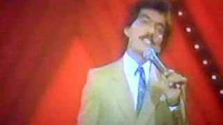 El Ilegal - En Vivo - Joan Sebastian (Video)