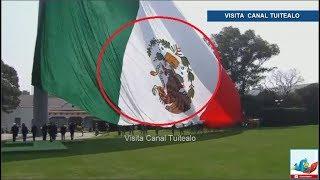 Con 'Escudo nacional al revés' Peña Nieto encabeza ceremonia de izamiento de Bandera de México Video