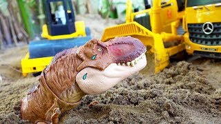 Car Toy with Dinosaurs Attack Excavator Truck Play