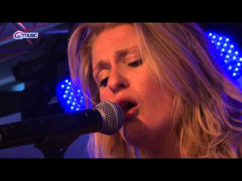 Miss Montreal - 'Say Heaven Say Hell' (live in het Q-hotel 2014)