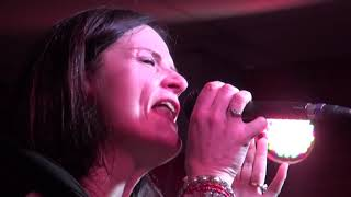 NO LIMIT -  Close To Me Fire  (Beth Hart)