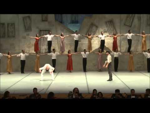 Este Baile Griego Te Hará Bailar Al Ritmo De'Opa'