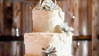 Country Barn Wedding Cakes